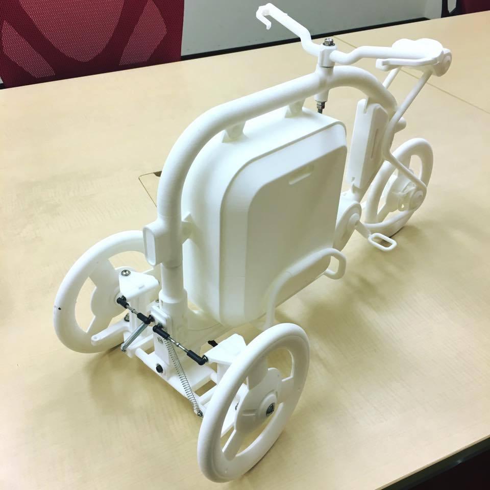 STROKEカーゴトライク(3輪カーゴバイク)の1/3スケールのミニチュアモデル01
